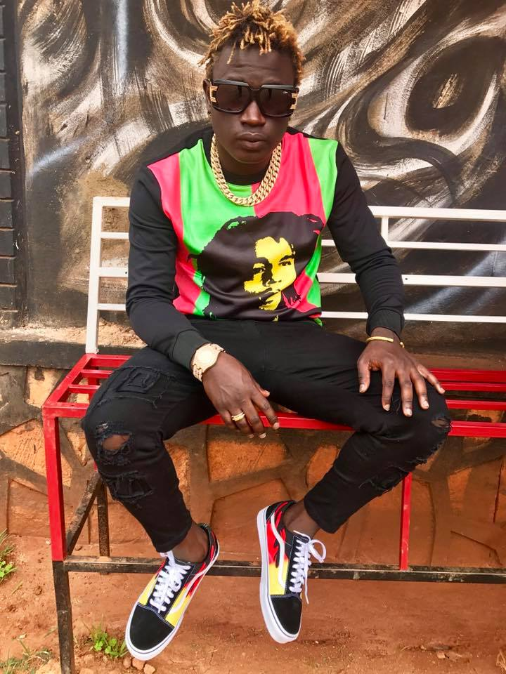 GRAVITY IGNORES FEFFE BUSSI'S DISS: Rapper teams up with David